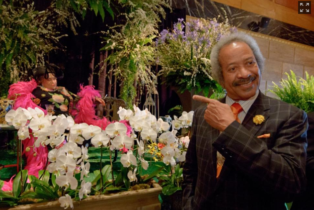 Photo found on NYDaily News, taken by Matthew Hinton/The Advocate, of musician Allen Toussaint paying his respects.
